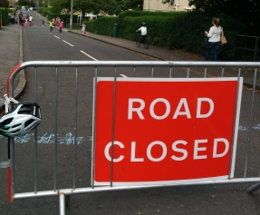 Photo of sign saying 'Road closed'